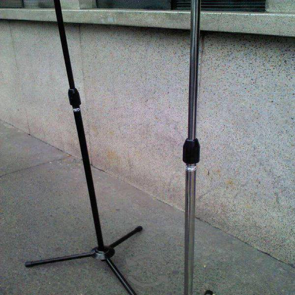 Stand base para micrófono recto 12 cromado/negro