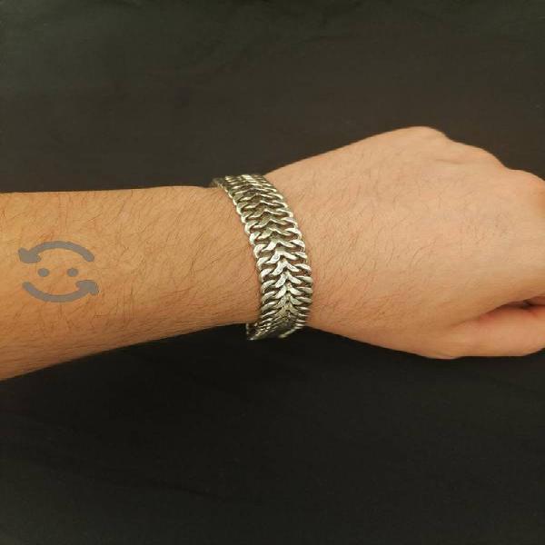 Plata pulsera llamativa
