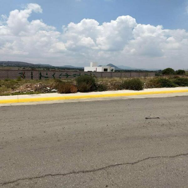 Terreno comercial, sobre carretera pachuquilla hgo.