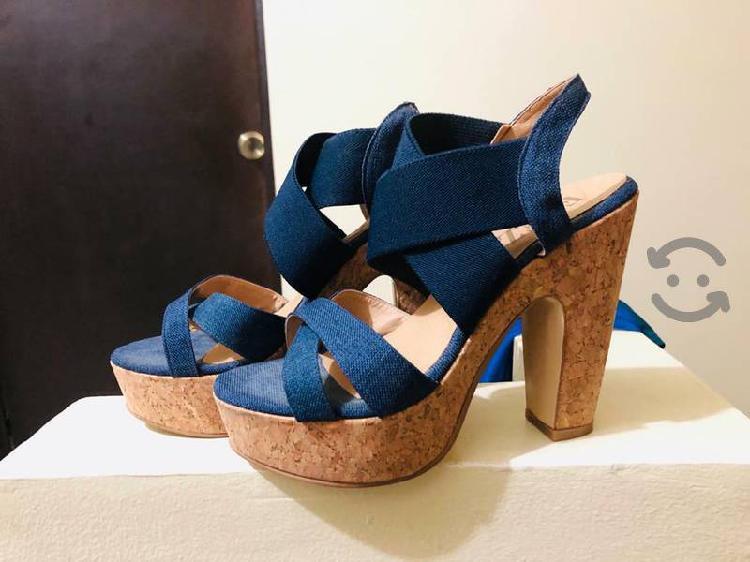 Zapatos usados muy cuidados. en 140 cada par.