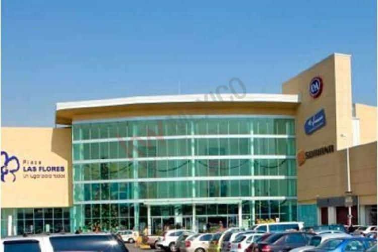 Local de 63m2 en renta dentro de centro comercial