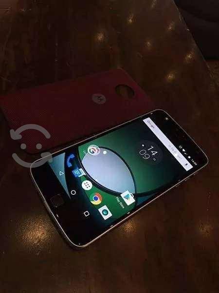 Moto z play como nuevo