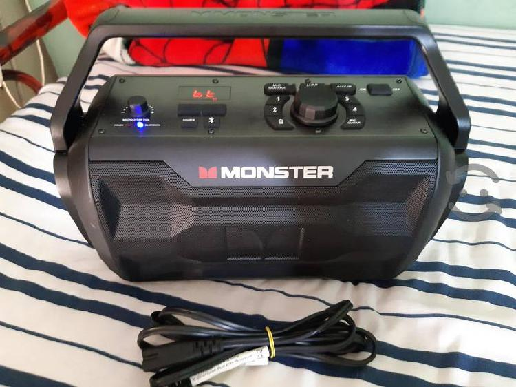 Bocina monster nomad bluetooth recargable