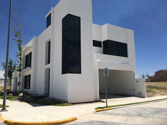 Casa en venta 4 rec en tahona residencial al sur poniente de