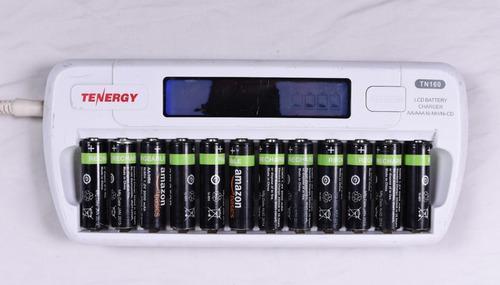 Cargador baterías aa/aa con 12 baterías (2000 mah)