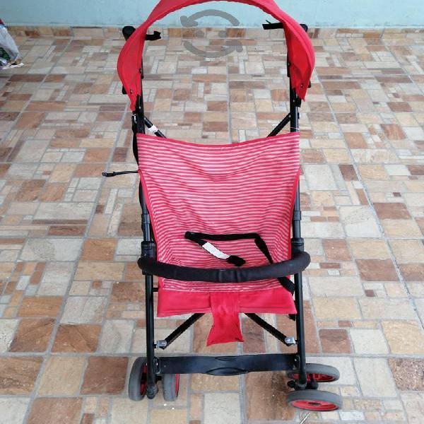 Carriola color rojo evenflo