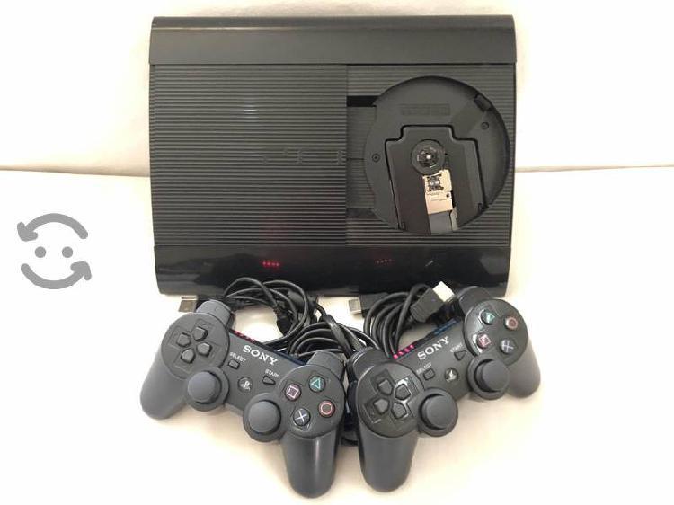Consola ps3 super slim 500 gb 2 controles 2 juegos
