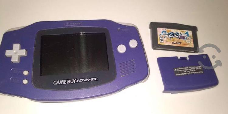 Gameboy morado ocn tapa de pilas y juego