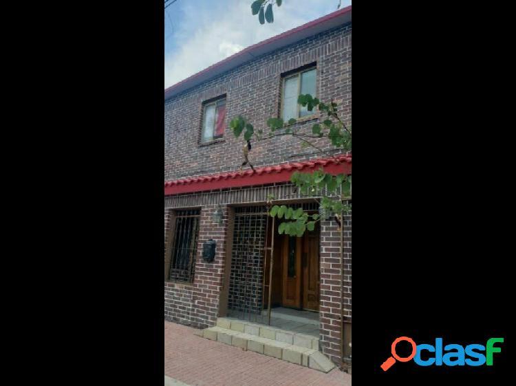 Casa en col. churubusco, monterrey nl.