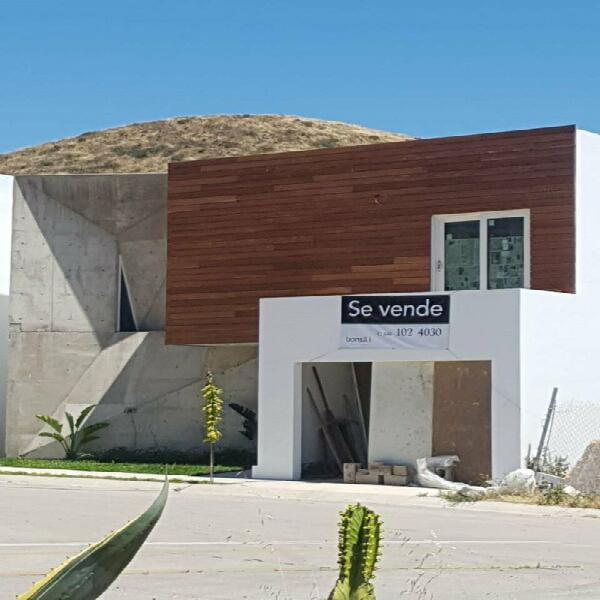Casa nueva estilo contemporáneo