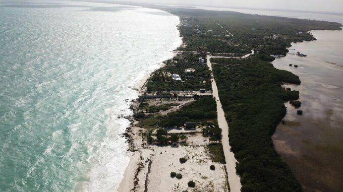 Excelente terreno frente al mar en Playa Mujeres