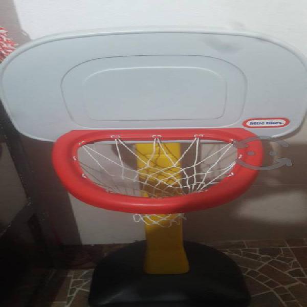 Tablero de basquetbol para niño