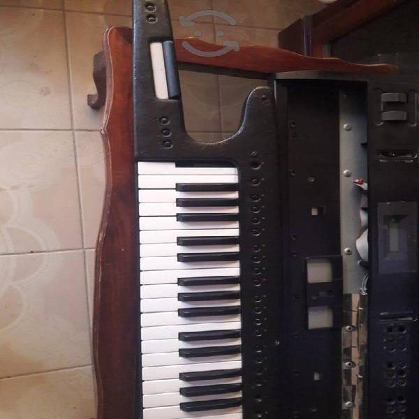 roland ax1 keytar