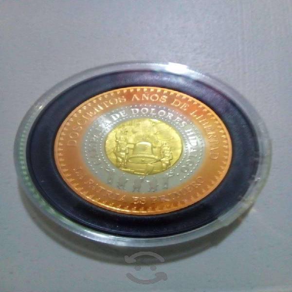 Moneda tri metálica conmemorativa del bicentenario