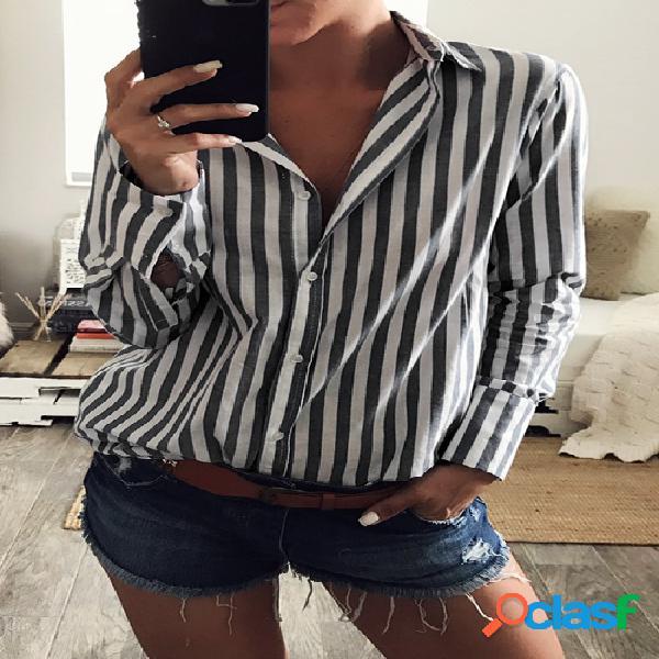 Camisa de rayas con el dobladillo irregular