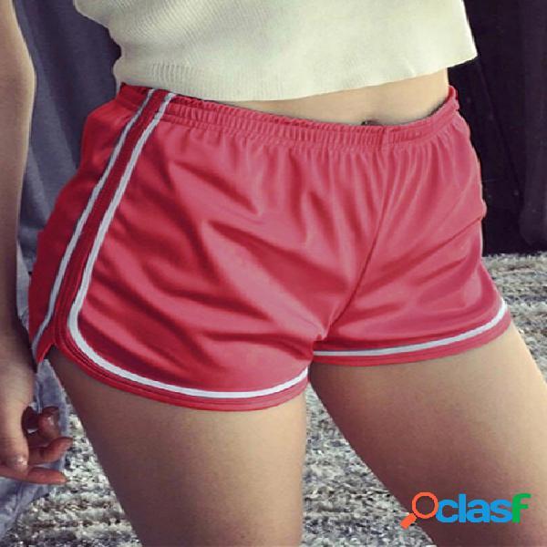 Pantalones cortos rojos de la alta cintura de la raya