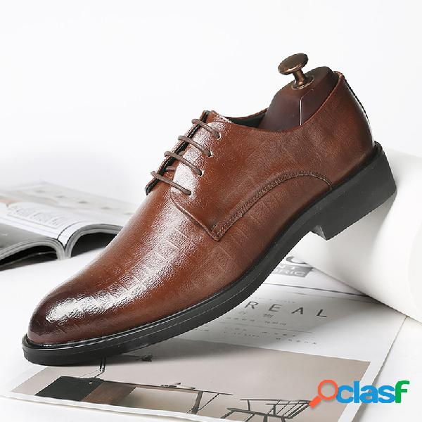 Zapatos formales casuales antideslizantes de cuero de microfibra retro de gran tamaño para hombres