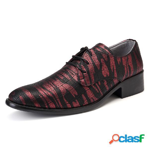 Zapatos de vestir formales ocasionales de cuero con estilo resbalón de los hombres