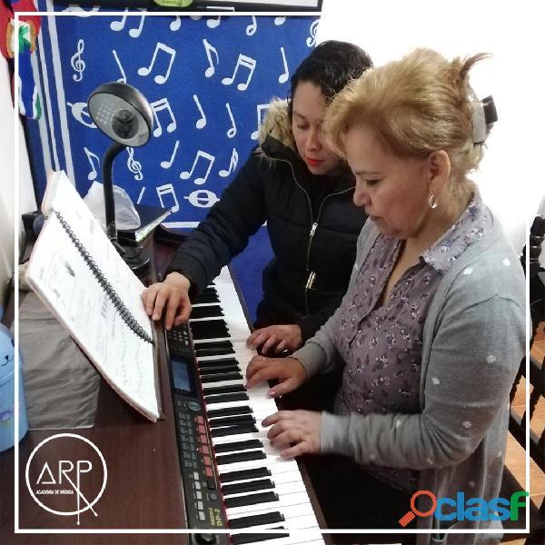 Academia de música arp. clases de piano en sábados.