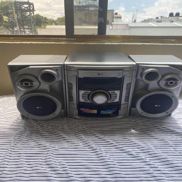 Estéreo lg mcd112