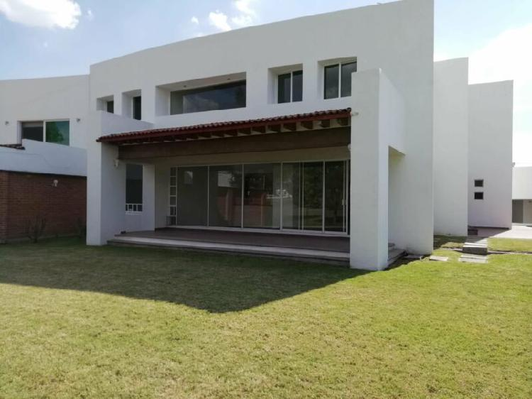 Juriquilla villas del meson casa en venta con vista al campo