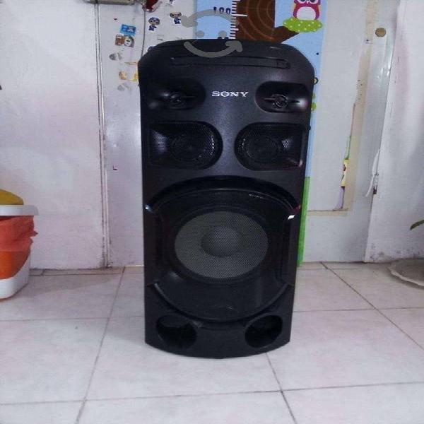 Sistema de audio sony de alta potencia.