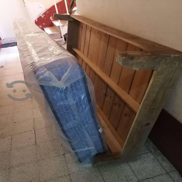 Cama y colchón individual