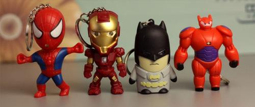 Llavero spiderman batman superman ironman y mas luz sonido