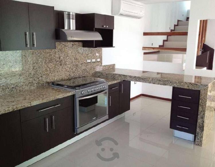 Cocinas integrales de granito y marmol sobre diseñ
