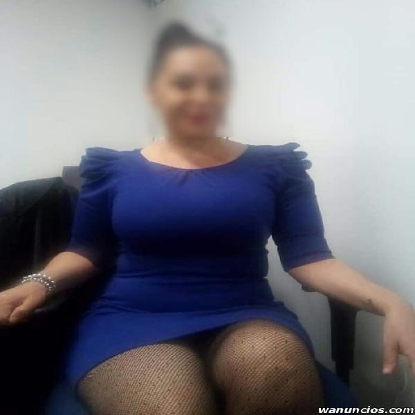 LINDA Y SEXY SECRETARIA, MADURITA CALIENTE