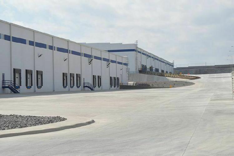 3,158 m2 carr. a aeropuerto, puebla nave industrial renta