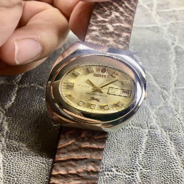 Antiguo reloj britix tigre de bengala