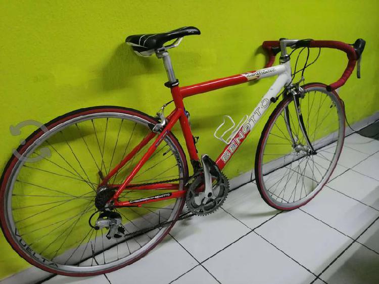 Bicicleta profesional benotto triathlon