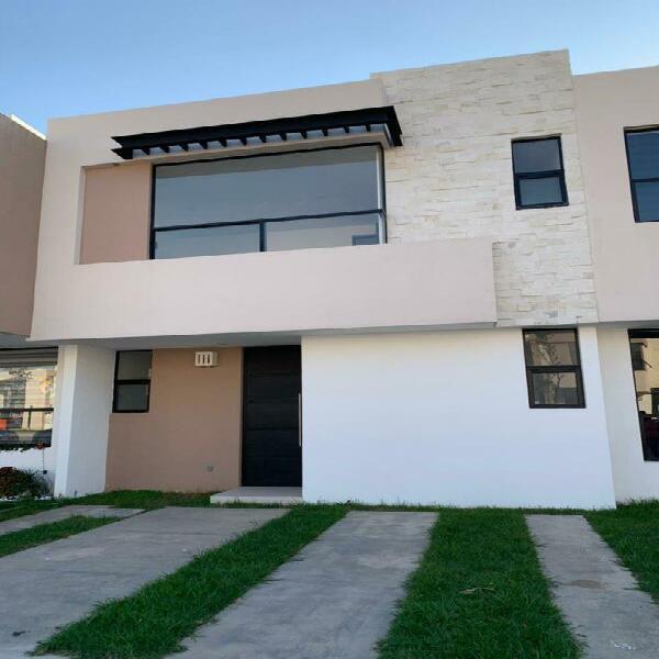 Casa nueva en fraccionamiento porta romani, blvd la luz,