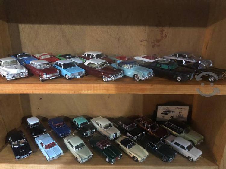 Colección de autos escala 1:43