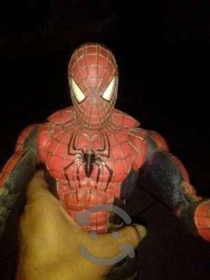 Hombre araña de 45 cms