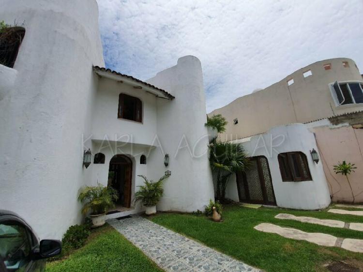 Rento amplia casa amueblada en gaviotas cerca de versalles y