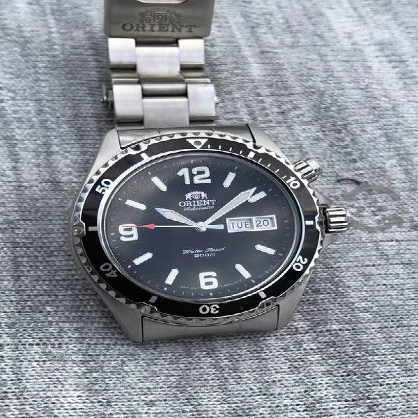 Reloj orient automátic submariner negro atornillad