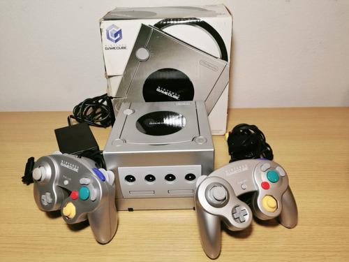 Gamecube platinum edición limitada en caja,controles,juegos
