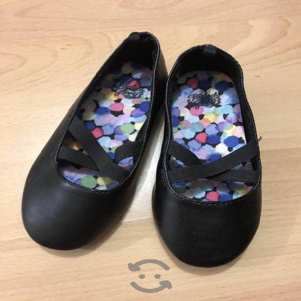 Zapatos nuevos niña