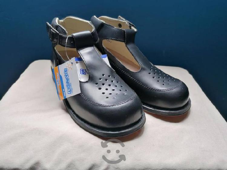 Zapatos ortopédicos para niña