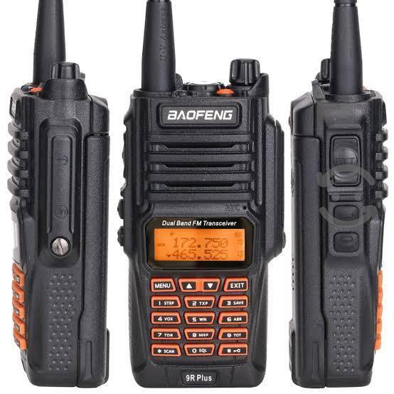 Baofeng uv-9r plus radios dos vías vhf/uhf 10w