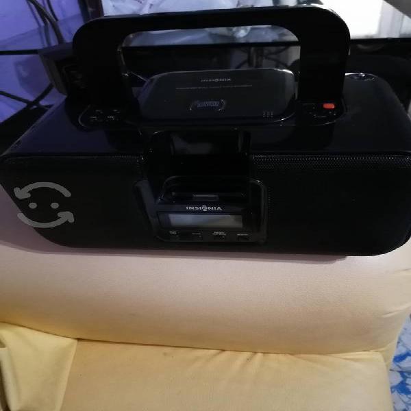 Radio grabadora insignia con cd/ipod /am/fm buena
