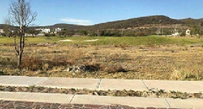 Terreno con ubicación privilegiada en fracc. club de golf
