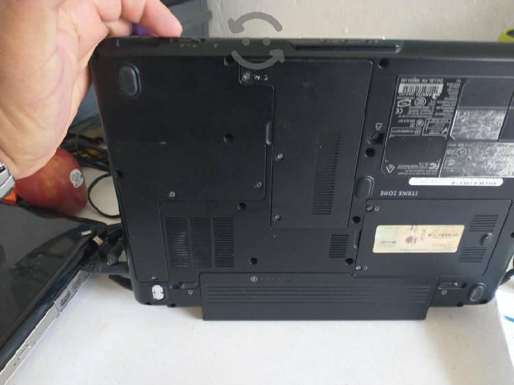 Para piezas o reparar tres computadoras