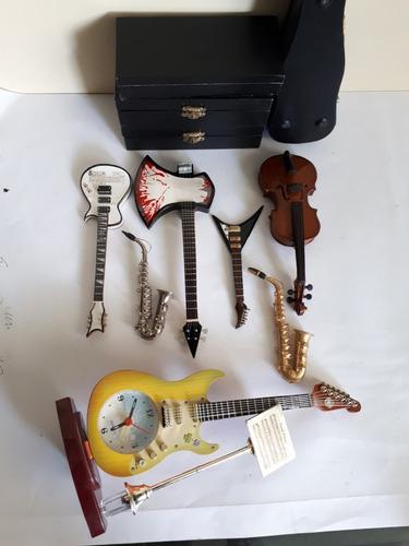 Lote de instrumentos musicales miniatura 7 piezas guitarra