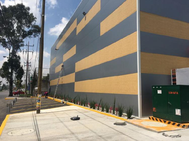 Nave industrial de 500 m2 con anden oficinas en conjunto