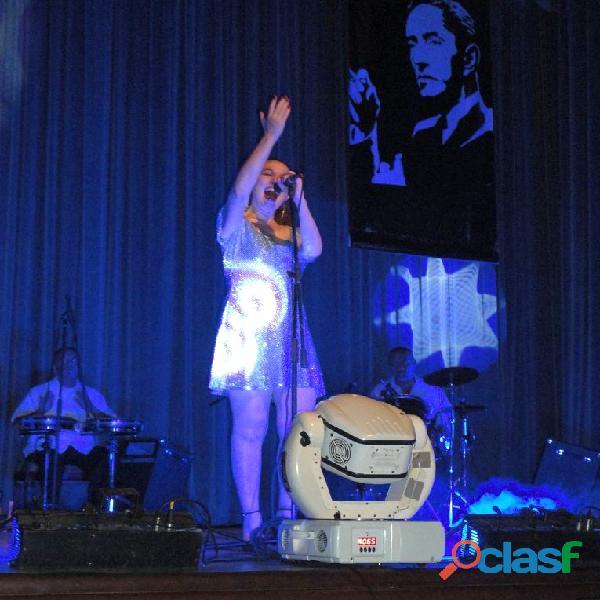 Cantante femenina versatil eventos en linea y presenciales