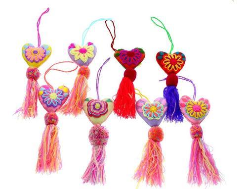 12 adorno para bolsa/corazon/artesanal bordadas