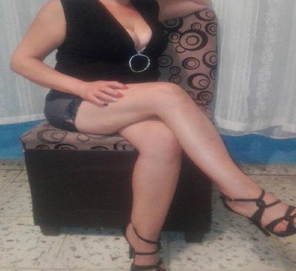 Linda ama de casa sin permiso caliente y muy linda